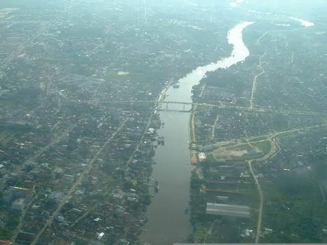Sungai Siak.