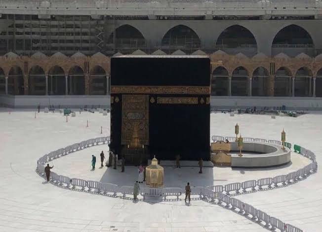 Kementerian Kesehatan Arab Saudi akan memutuskan negara-negara mana yang diperbolehkan umrah.