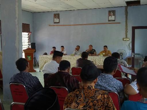Rapat pembentukan panitia yang melibatkan unsur TNI dan Kepolisian.