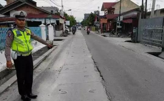 Jalan bekas galian IPAL.