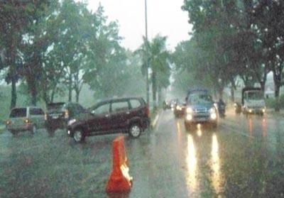 Ilustrasi: hujan deras.