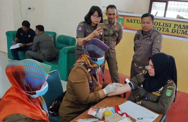 Pemeriksaan HIV dipusatkan di aula kantor Satpot PP Jalan HR Subrantas Dumai, Selasa (10/12/2019).