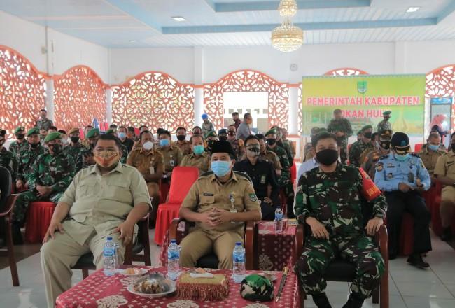 Sekda Rohul, Dandim 0313/ KPR, Kapolres, dan Danlanud serta Fokompimda lainnya, menghadiri pembukaan TMMD ke-110 yang dipustkan di 4 kecamatan se-Rohul.