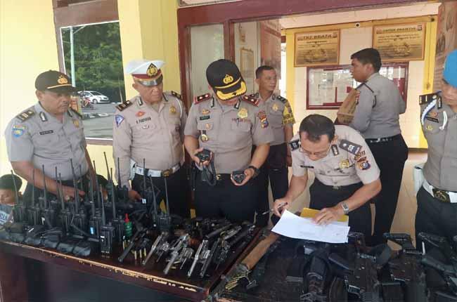 Sejumlah senjata api dinas yang ada di Polsek Bangko.