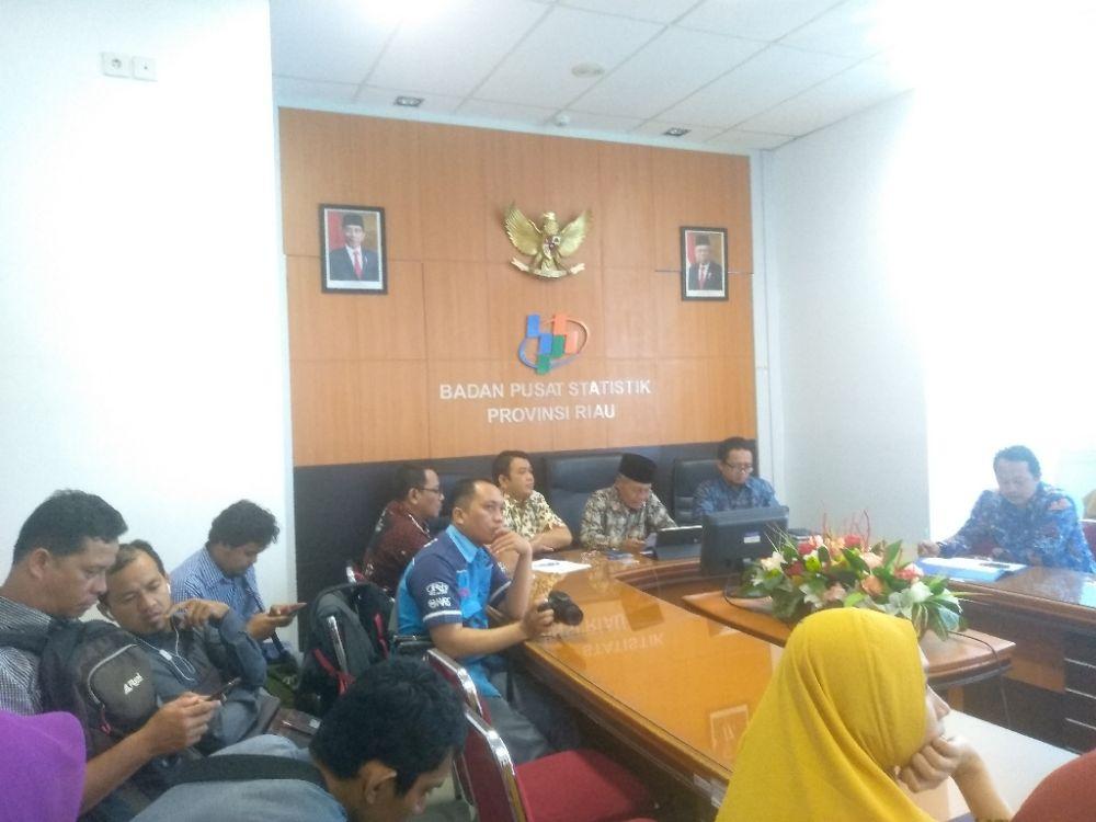 Kenaikan NTP di Provinsi Riau pada Oktober 2019 terjadi pada dua subsektor penyusun NTP.