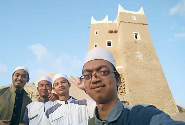 Muhammadiyah Yaman kunjungi Benteng Gwaizi yang menjadi ikon Kota Mukalla.