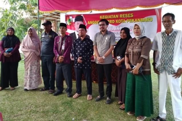 Reses Nurul Ikhsan, Kamis (7/11/2019) di Jalan Kuansing RT 04 RW 01, Kelurahan Perhentian Marpoyan, Kecamatan Marpoyan