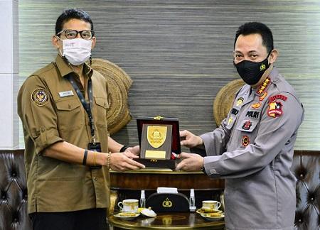 Kapolri Jenderal Pol Drs Listyo Sigit Prabowo MSI menyampaikan bahwa pertemuanya dengan Menteri Pariwisata dan Ekonomi Kreatif Sandiaga Uno