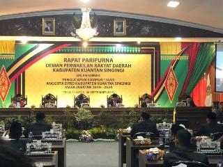 Andi Putra dan Naswan jadi pimpinan DPRD sementara.