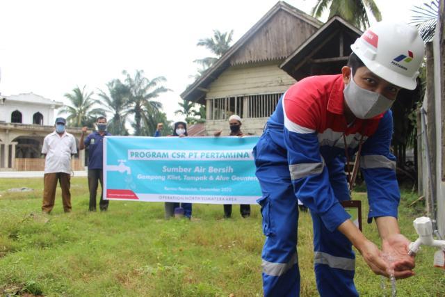Pertagas bantu sediakan sumber air bersih untuk masyarakat.