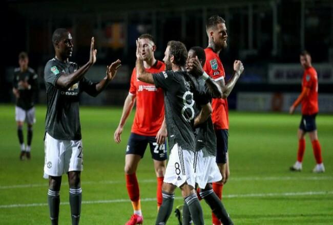 Manchester United menang 3-0 atas Luton Town. Foto: Detik