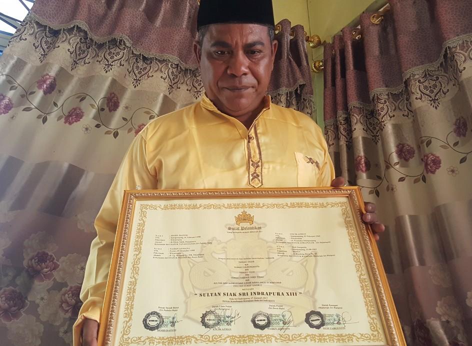 Tengku Nazir Bin Tengku Zainurasyid mengaku sebagai pewaris sah Sultan Syarif Kasim.