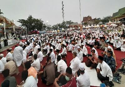 Tampak padatnya masyarakat di Event Wisata Gema Muharram 1441 H Inhil.