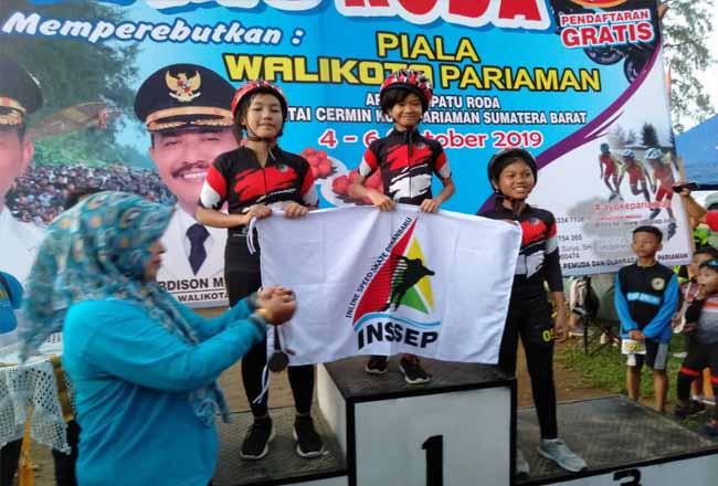 Atlet INSSEP Pekanbaru menyapu bersih medali nomor KU-D 300 meter.