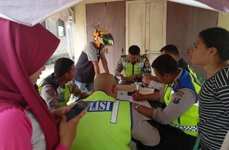 Sat Lantas Polres Kabupaten Inhil tilang dan tegur para pelanggar.