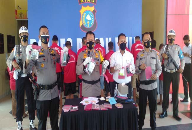 Sebanyak 34 tersangka dalam pengungkapan 22 kasus narkoba di Operasi Antik Lancang Kuning 2021.