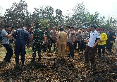 Menteri LHK dan Pejabat Negara lainnya mengunjungi Riau dalam penanggulangan Karhutla.