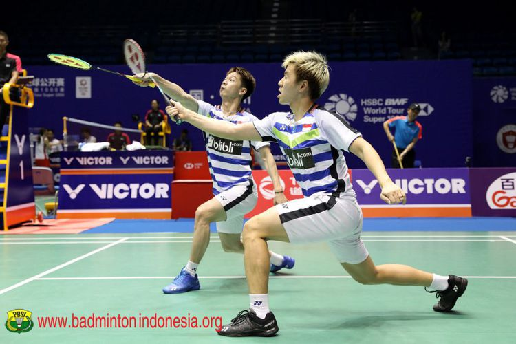 Ganda putra Markus Gideon/Kevin Sanjaya akan bertarung di semifinal China Open untuk memperebutkan tiket ke final. Foto : Kompas