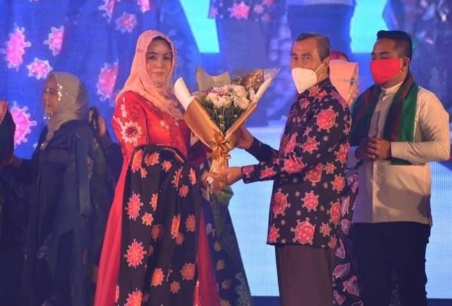 Misnarni saat mengikuti launching Yayasan Pesona Kreasi Riau di Hotel Premiere Pekanbaru, Jumat (19/2/2021).