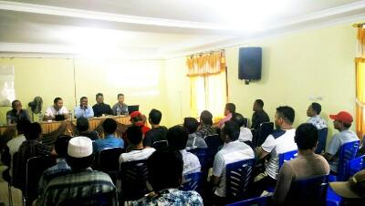 Rapat rencana pembangunan Stadion Sepak Bola berstandar FIFA di Desa Pendalian.