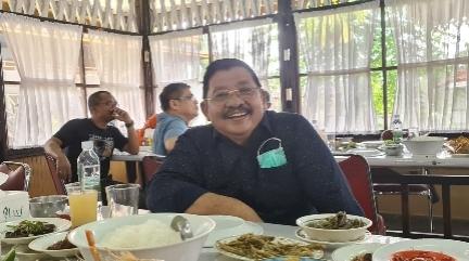 Tengku Azmun Jaafar dan Hazmi Setiadi