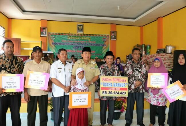 Bupati Sukiman, ikut hadir di Musyawarah Pertanggungjawaban Tahunan BUMDesa (MPTB) Usaha Makmur, Desa Bukit Intan Makmur (BIM), Kecamatan Kunto Darussalam.