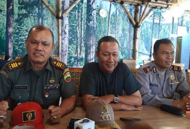 Camat Senapelan siap berkoordinasi dengan Koramil dan Polsek tangani masalah banjir di Kecamatan Senapelan