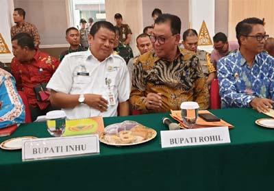 Bupati Rokan Hilir (Rohil), H Suyatno AMp menghadiri Rapat Koordinasi (Rakor) Penanggulangan dan Pencegahan Kebakaran Hutan dan Lahan di Pekanbaru