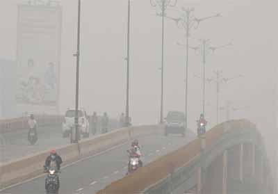 Kabut asap selimuti Pekanbaru semakin parah.