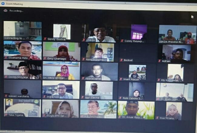 Web Seminar Komunikasi Kesehatan  dan Kearifan Lokal di Era Kenormalan Baru yang diselenggarakan Prodi Magister Ilmu Komunikasi FISIP Universitas Riau, Kamis (9/7/2020).