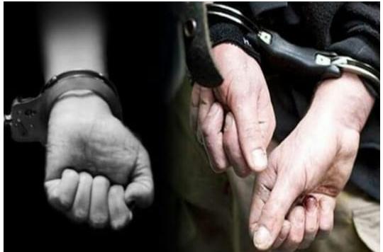 """Enam prajurit yang berhasil menggagalkan penyelundupan narkoba diberi penghargaan. Pelaku """"Z"""" dan """"S"""" dan barang bukti berupa 10 paket Sabu telah diamankan."""