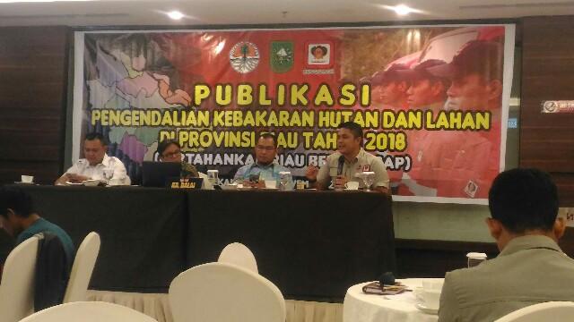 Kepala Balai PPIKHL Wilayah Sumatera Israr Albar saat pemaparan di HotelSwiss BelIn, Pekanbaru, Minggu (11/11/2018).