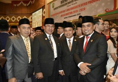 Bupati Inhil HM Wardan hadiri pelantikan anggota DPRD Riau.