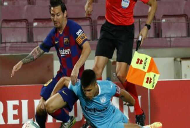 Lionel Messi sudah mencetak 699 gol dalam kariernya di level senior. Foto: CNNIndonesia