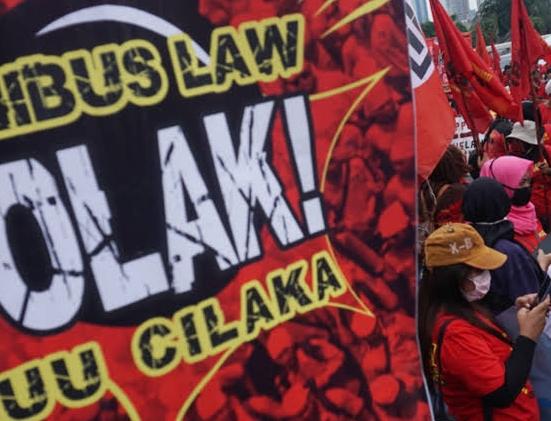 Ilustrasi: demo tolak Omnibus Law.