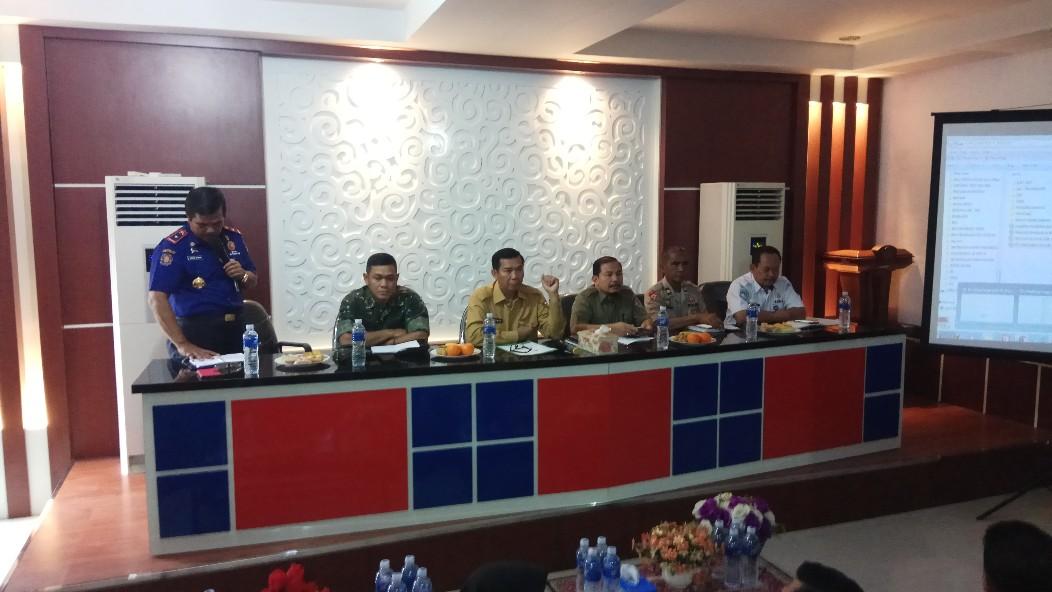 Rapat gabungan menyikapi perkembangan cuaca dan ISPU di Kantor BPBD Kota Pekanbaru, Jalan Cempaka.