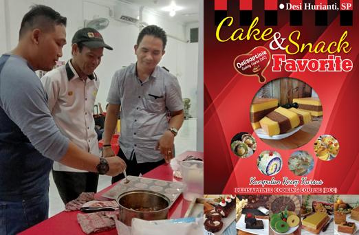 Chef Zainal Wahyudi, Chef Firdaus dan Chef Oka saat persiapan Fun Baking di DCC  Pekanbaru, Kamis (20/10/2019). Fun Baking kerjasama DCC dan Zeelandia dilaksanakan di Hotel Grand Tjokro, Sabtu (20/10/2019)