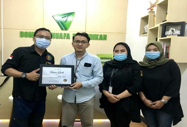 PT Solid Gold Berjangka dan DD Pendidikan salurkan bantuan untuk sekolah.