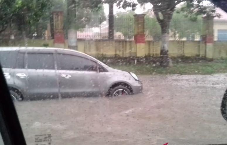 Banjir Pekanbaru. FOTO: Antara.