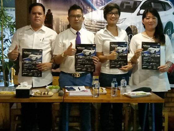 Manajemen Astra Daihatsu dan Capella Pekanbaru foto bersama