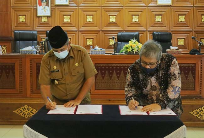 Bupati Siak teken MoU dengan Kanwil DJP Riau.