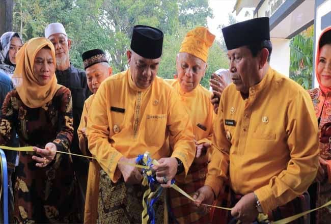 Wagubri Edy Natar resmikan Bagas Godang di Rohul.