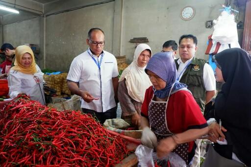 Direktorat Reserse Kriminal Khusus Polda Riau melakukan sidak pasar