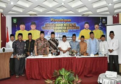 Foto bersama usai kegiatan pemantapan Majelis Hakim MTQ ke-44 Tingkat Kabupaten Bengkalis.