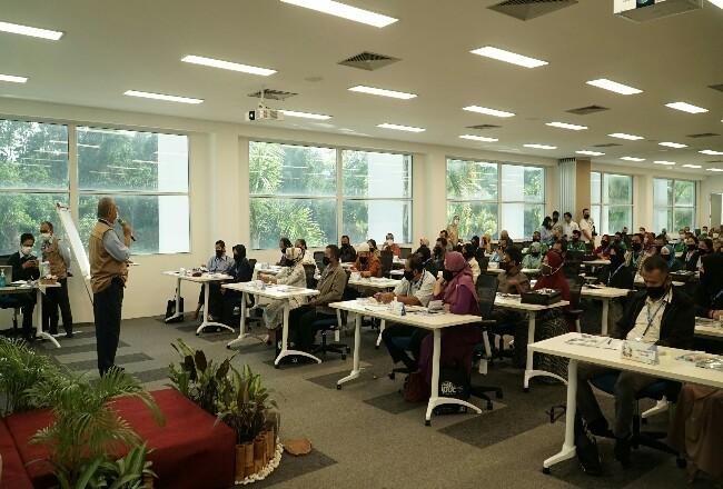 Bekerjasama dengan Indonesia Profesional Development Centre (IPDC), sebanyak 124 karyawan yang akan segera memasuki usia pensiun ini dibekali secara intensif untuk merencanakan masa pensiunnya.