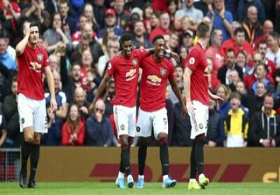 Manchester United kalahkan Chelsea 4-0.