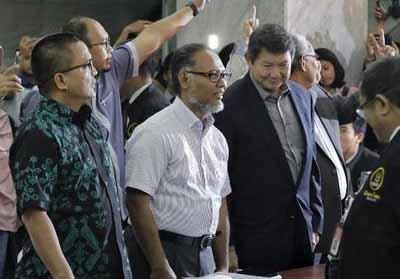 Tim BPN Prabowo-Sandi saat mengajukan gugatan Pemilu 2019 ke MK.