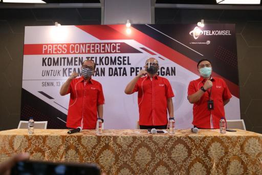 Press conference Komitmen Telkomsel untuk Keamanan Data Pelanggan.