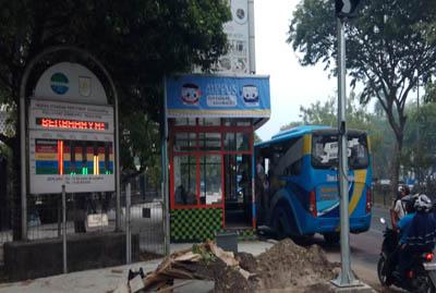 Papan ISPU di Pekanbaru tunjukkan kualitas udara Berbahaya.