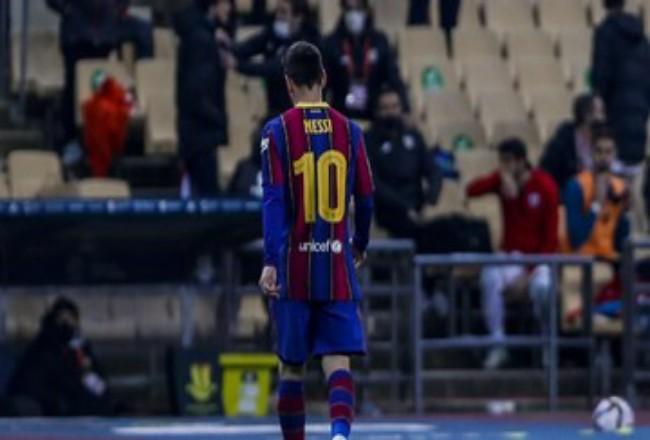 Lionel Messi mendapat gaji fenomenal di Barcelona sejak 2017. Foto: CNNIndonesia